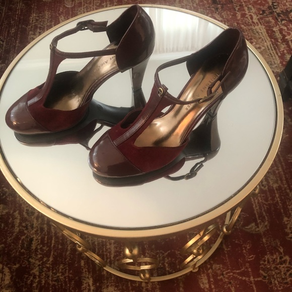 Etienne Aigner Shoes - Super comfortable and cute Vintage inspired heels